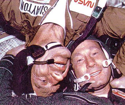 http://worldmeets.us/images/Apollo-Soyuz-astronaut-cosmonaut_pic.jpg