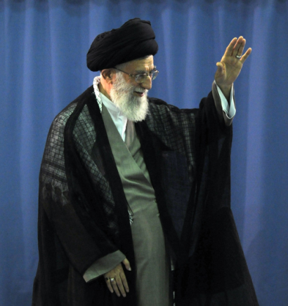 http://www.worldmeets.us/images/Khamenei-hajj-officials_pic.png