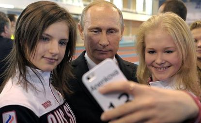 http://worldmeets.us/images/Putin-Sochi-grand-Prix_pic.jpg