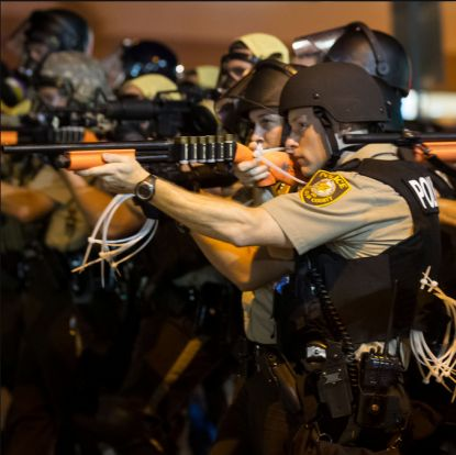 http://worldmeets.us/images/fergeson-police-aim_pic.jpg