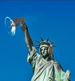 http://worldmeets.us/images/france-statue-of-liberty-spy_graphic.jpg