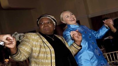 http://www.worldmeets.us/images/hillary-dances-south-africa_pic.jpg