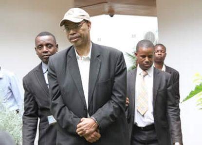 http://worldmeets.us/images/melvin-reynolds-arrest-zimbabwe_pic.jpg