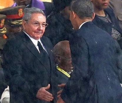 http://worldmeets.us/images/obama-castro-mandela-handshake_pic.jpg
