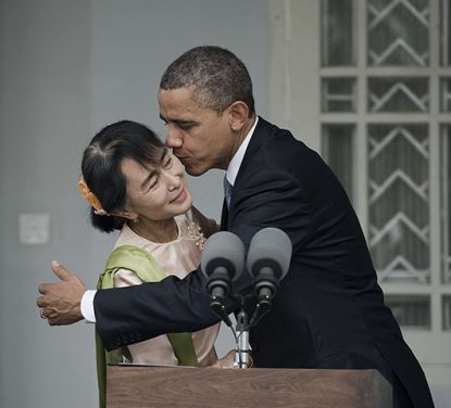http://www.worldmeets.us/images/obama-hugs-Aung-San-Suu-Kyi_pic.jpg