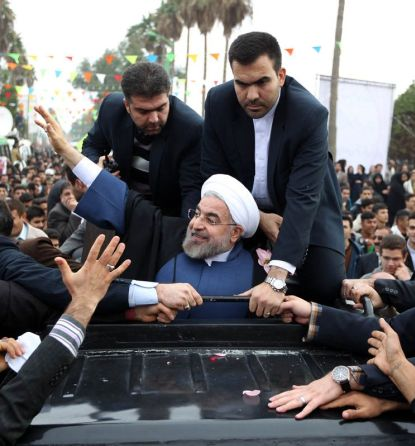 http://worldmeets.us/images/rouhani-ahvaz-security-crowd_pic.jpg